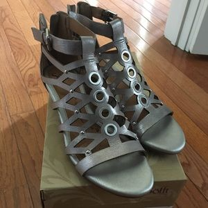 Sofft Rosalyn wedge sandal size 10